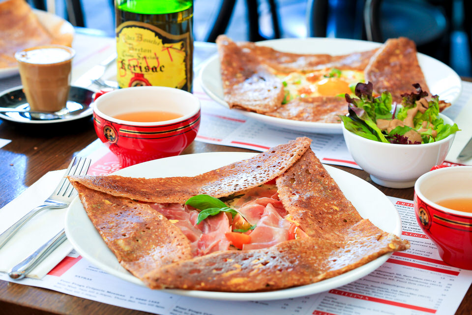 Four Frogs creperie: Galettes with cider